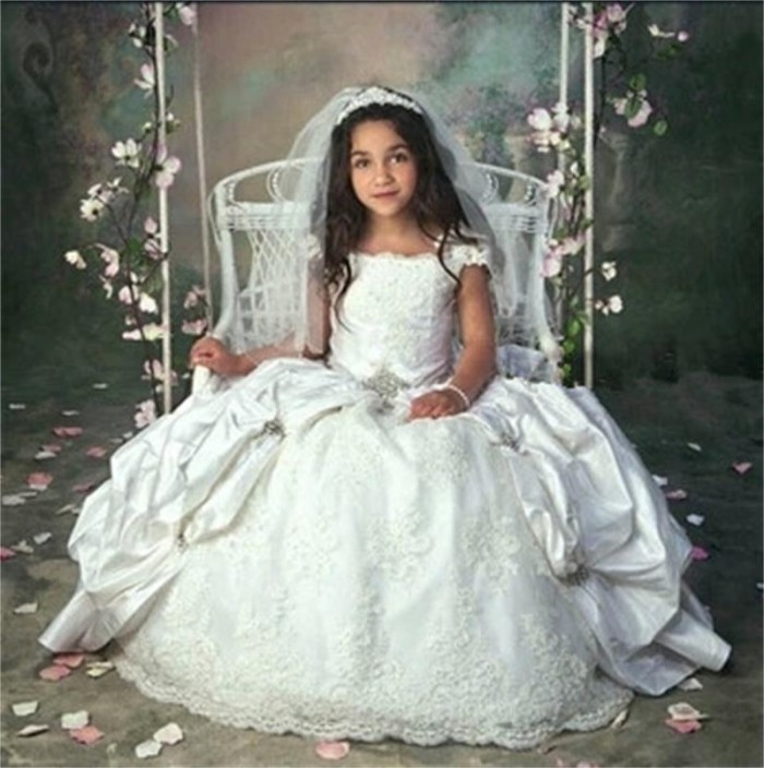 6 Facts About Holy Communion Dresses That Will Impress Your Daughter